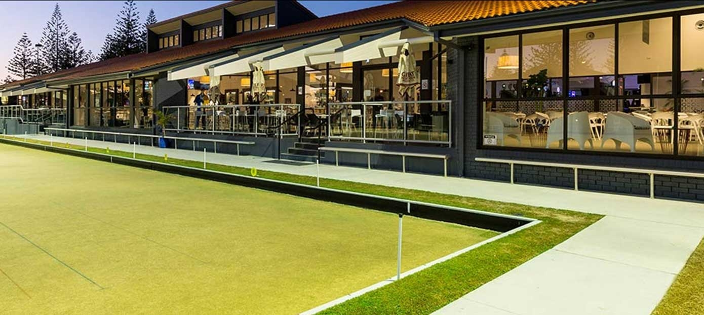 Broadbeach bowls clubhouse under lights