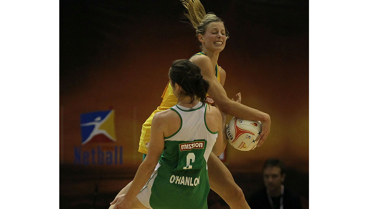 Caroline O'Hanlon gets physical with Australian star Laura Geitz at the 2011 World Netball Championships.
