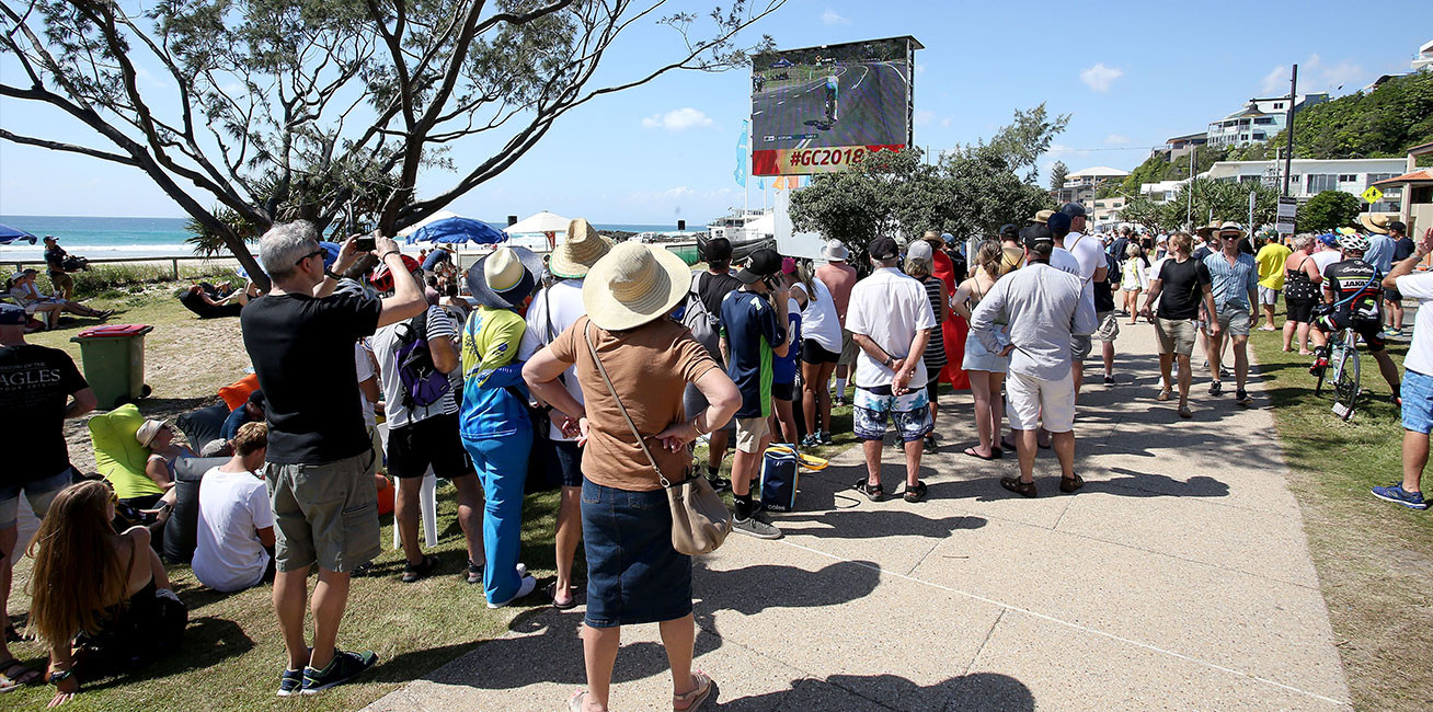 Crowds at the Time Trials at Currumbin.