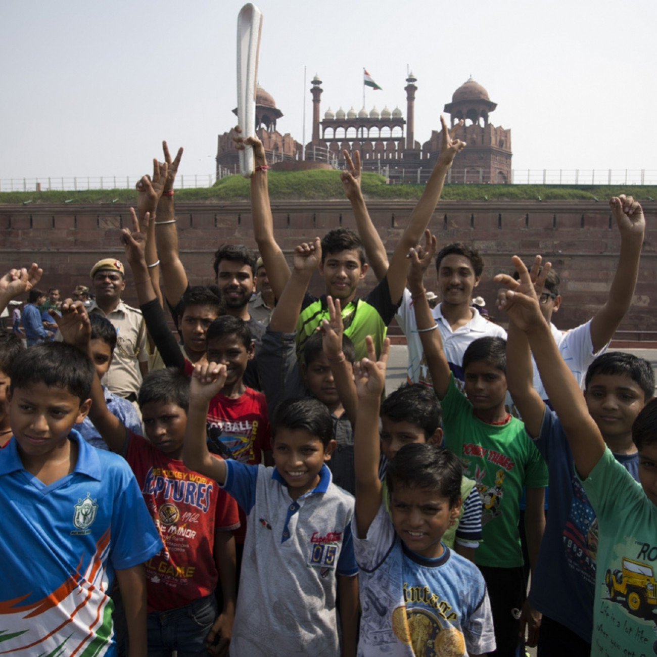 Local school children with the Baton outside the Red Fort complex World Heritage centre